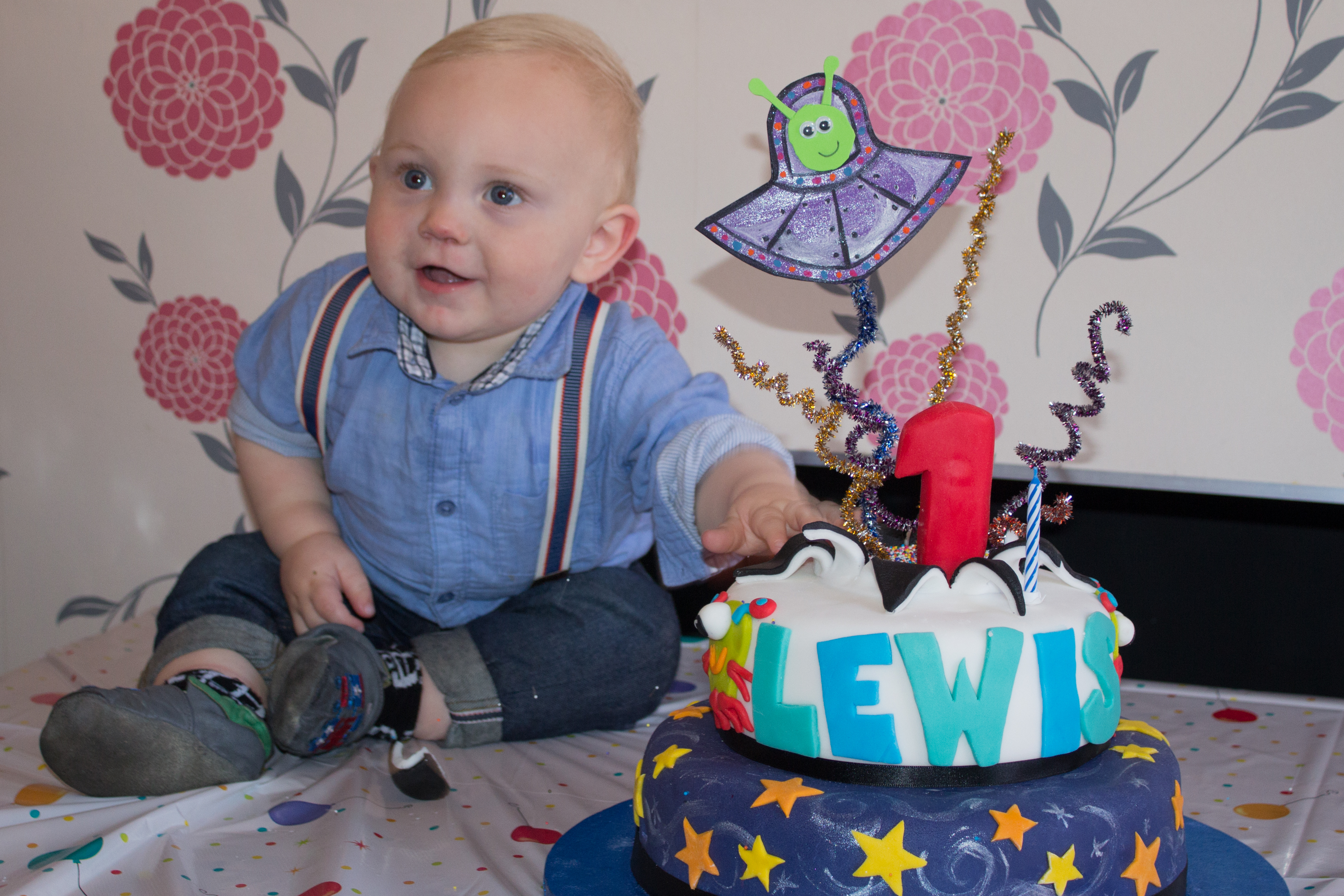 Lewis & his cake at his first birthday party