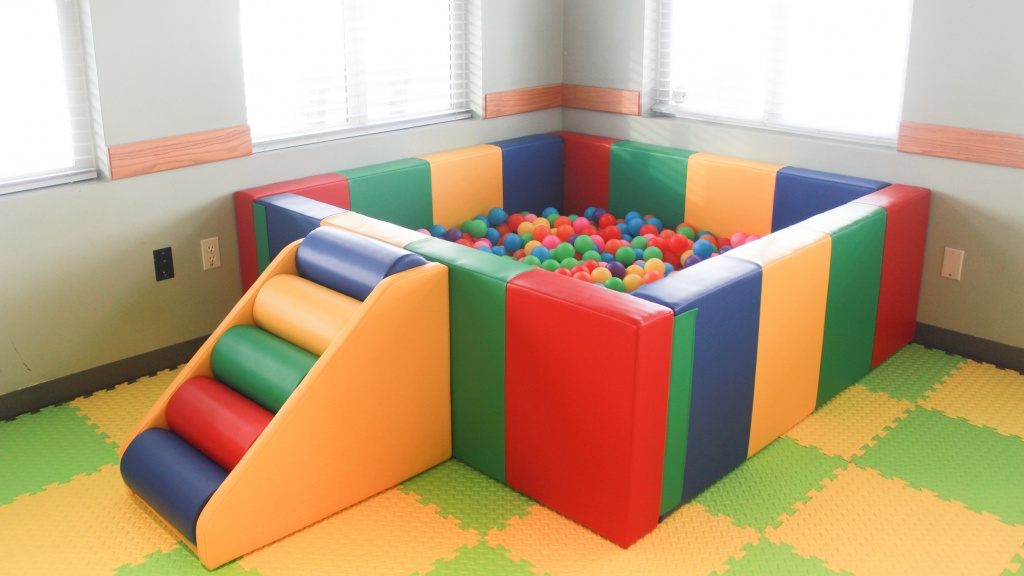 Sprog & Sprocket Ball Pit Rental. New colourful square design. Easy to assemble.